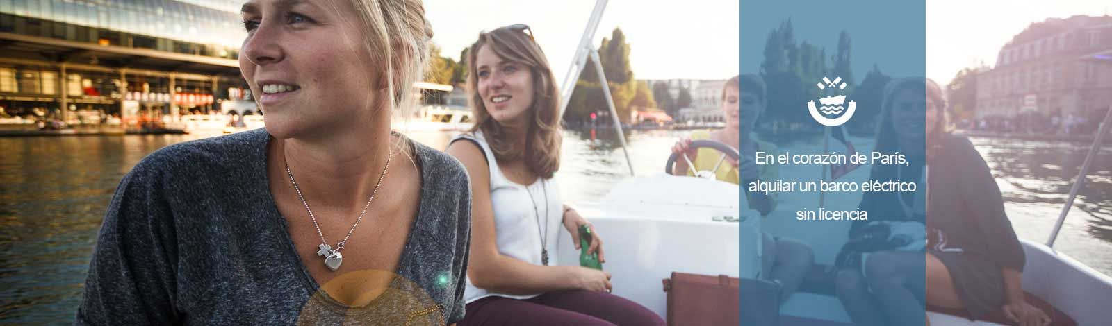 Niñas en barco sobre la cuenca de la Villette