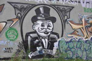 Street Art Monopoly sobre en canal de l'Ourcq